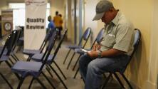 Algunos beneficiarios de TPS podrán continuar tramitando su residencia sin salir del país