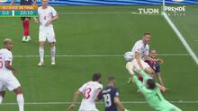 ¡Manos salvadoras! Sommer le quita el gol de cabeza a Benzema