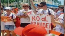 Peruanos se reúnen en Miami Beach para rechazar las elecciones en su país, asegurando que hay un fraude