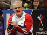 Un exentrenador del equipo olímpico de gimnasia de Estados Unidos se suicida tras ser acusado de abuso sexual y trata de personas