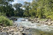 Este histórico pueblo del centro de Texas esconde un río con agua cristalina