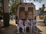 El mundo supera 4 millones de muertes por covid-19 entre el peligro por la variante Delta y a la espera de vacunas para todos los países