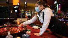 Nuevos horarios y máscara obligatoria: reabren los casinos de Miami-Dade bajo medidas por el coronavirus