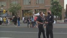 """""""Son más los policías que hacen el bien"""": así se llevó a cabo el tradicional 'National Night Out' en Boyle Heights"""