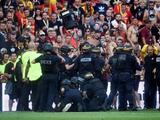 Aficionados invadieron cancha en el derbi entre Lille y Lens de la Ligue 1