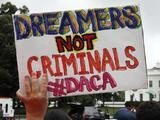 El Ombudsman del servicio de inmigración aconseja a los dreamers renovar a tiempo protección de DACA