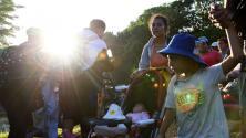 """""""Necesitamos ser atendidos"""": más de 1,000 niños hacen parte de la caravana de inmigrantes que avanza por México"""