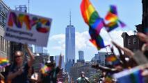 Qué ayudas ofrece Nueva York a miembros de la comunidad LGBTQ vulnerables a desarrollar pensamientos suicidas