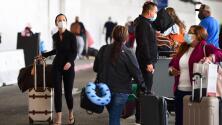 ¿Piensas viajar en avión durante el feriado del 4 de Julio? Estas recomendaciones te pueden evitar dolores de cabeza