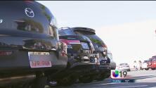Miles no registran sus autos al llegar a California