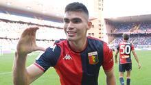 Johan Vásquez dedica primer gol con Genoa a su novia y familia