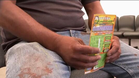 Migrante mexicano tiene 48 horas para cobrar más de medio millón de dólares en la lotería