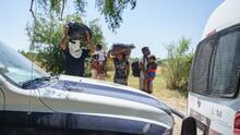 """""""Vamos sin un peso"""": continúan las deportaciones de migrantes centroamericanos en México"""