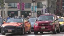 Taxistas y conductores de transporte público tradicional piden regular los servicios alternativos