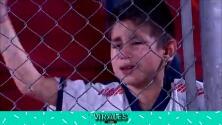 Niño llora de emoción al apoyar a su equipo en Argentina