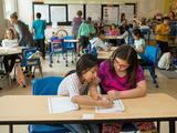 Estos niños inmigrantes aprendieron inglés en la mitad del tiempo, ¿cómo lo lograron?
