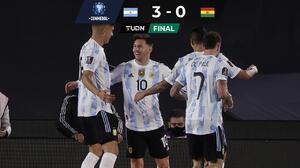 ¡Noche perfecta! Argentina golea y alarga su racha a 22 juegos sin perder