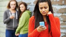Seis señales que podrían indicar que tu hijo es víctima de acoso cibernético