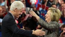 """Hillary Clinton: """"A mi marido lo voy a poner a cargo de la revitalización de la economía"""""""