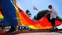 """""""Lo que está viviendo tu hijo no es un pecado"""": organización brinda apoyo a la comunidad LGBTQ y sus familias"""