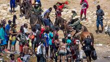 """""""Estaban buscando comida"""": camarógrafo cuenta cómo inició la persecución a caballo en el Río Grande"""