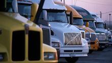 ¿A qué se debe la escasez de camioneros que está afectando la cadena de distribución a nivel nacional?