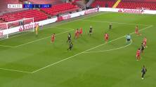 ¡TIRO ATAJADO! disparo por Mohamed Salah.