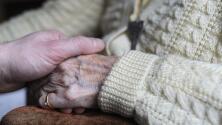 Covid-19: Biden ordena que los hogares de ancianos vacunen a su personal para acceder a fondos federales