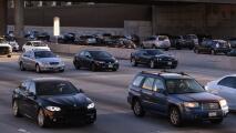 Circulación lenta y alto volumen vehicular en algunas vías de Los Ángeles la mañana de este miércoles