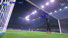 ¡De alarido! Luis Suárez puso el 1-2 sobre AC Milan al 97'