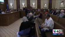Residentes de casas móviles continúan en busca un acuerdo para proteger sus casas