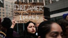 Funcionarios electos en Chicago piden al gobierno de Biden acciones concretas para proteger a beneficiarios de DACA