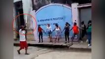 Se armaron con palos y cabillas: partidarios del régimen cubano practican cómo enfrentar a la oposición