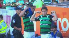 ¡Santos cambia de playera ante la dificultad de identificación en la cancha!
