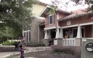 Familias de complejo de apartamentos podrían ser reubicadas tras disputa por desalojo