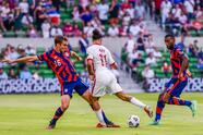 Gyasi Zardis entra al terreno de juego para resolver el partido y mandar a los Estados Unidos a la final de la Copa Oro.