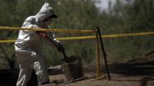 Encuentran más de 60 cuerpos en 'narco-cementerio' de Guanajuato