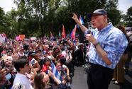 Senador de Florida Rick Scott pide a Biden que aparezca y le hable a los cubanos
