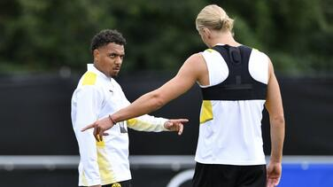 Dortmund anuncia a Malen y Haaland le da una 'humilde' bienvenida