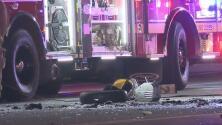 Oficial de la Policía de Austin 'lucha por su vida' tras chocar contra un camión de 18 ruedas