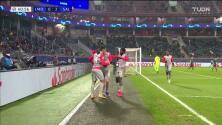 ¡GOOOL! Mergim Berisha anota para FC Red Bull Salzburg.