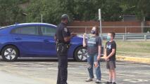 AAA de Texas imparte taller a conductores a fin de reducir los accidentes de tráfico