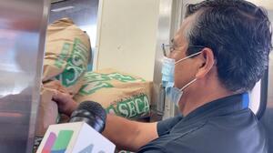 Dueño de una tortillería preocupado por retrasos en la entrega de harina