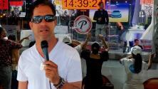 Más de 4 días cantando sin parar: el récord Guinness que un dominicano trata de batir desde una plaza pública