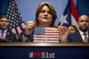 Jenniffer González acude a votar por los delegados proestadidad