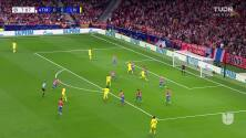 ¡GOL!  anota para Liverpool. Mohamed Salah