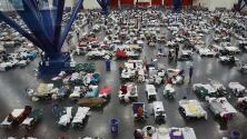 Congresistas por Texas visitan albergues para entregar ayudas a damnificados por Harvey