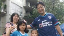 Fanático japonés cruzó el mundo entero para apoyar al Cruz Azul