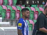 'Tecatito' Corona reaparece con Porto en empate ante Marítimo