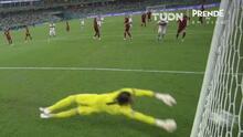 ¡Lo de Sommer es impresionante! Le vuelve a quitar el gol a Mert Müldür